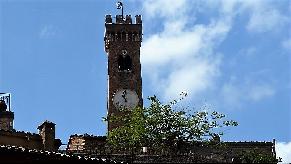 Santarcangelo-torre-del-orologio