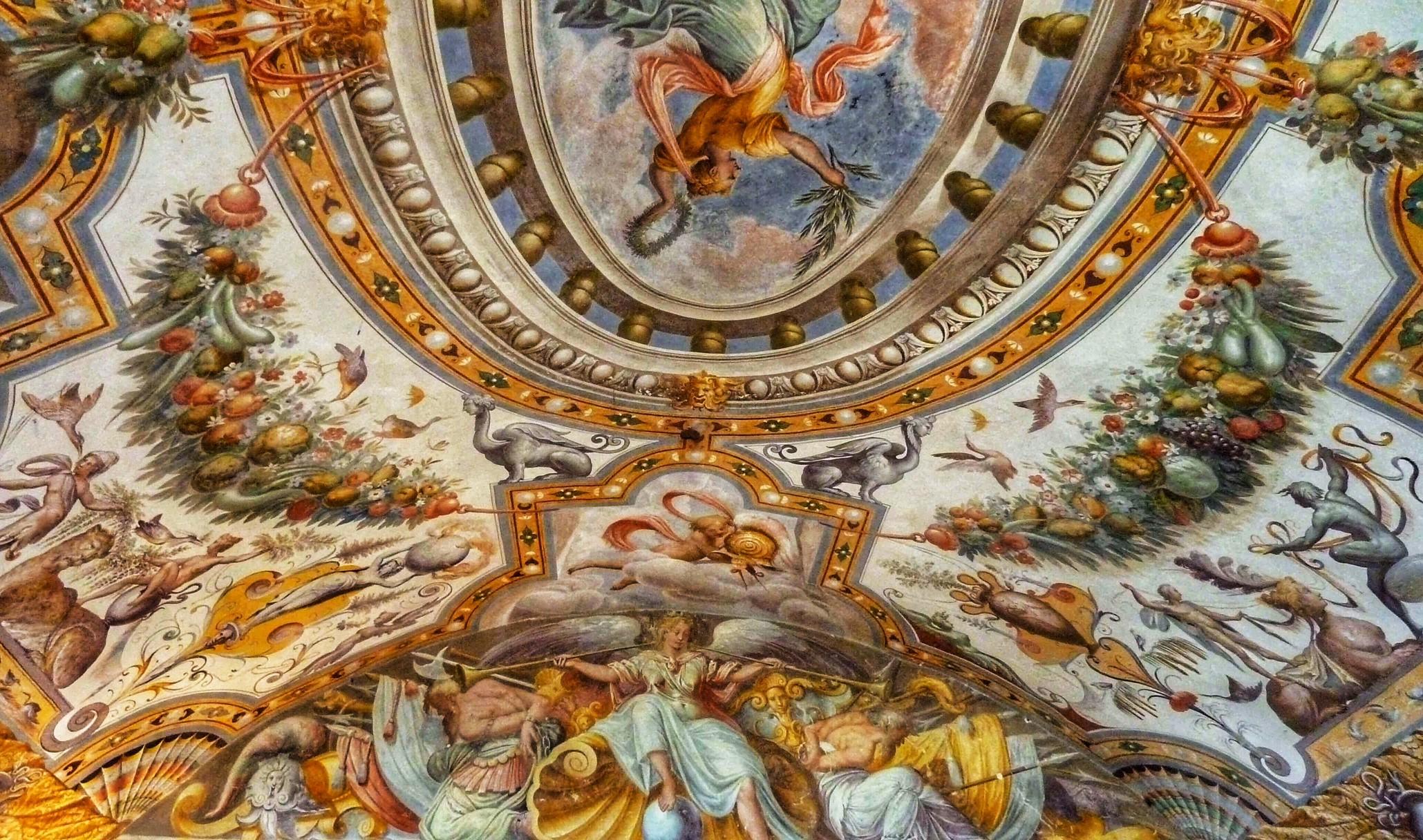 grottesche-al-castello-di-Torrechiara-Parma