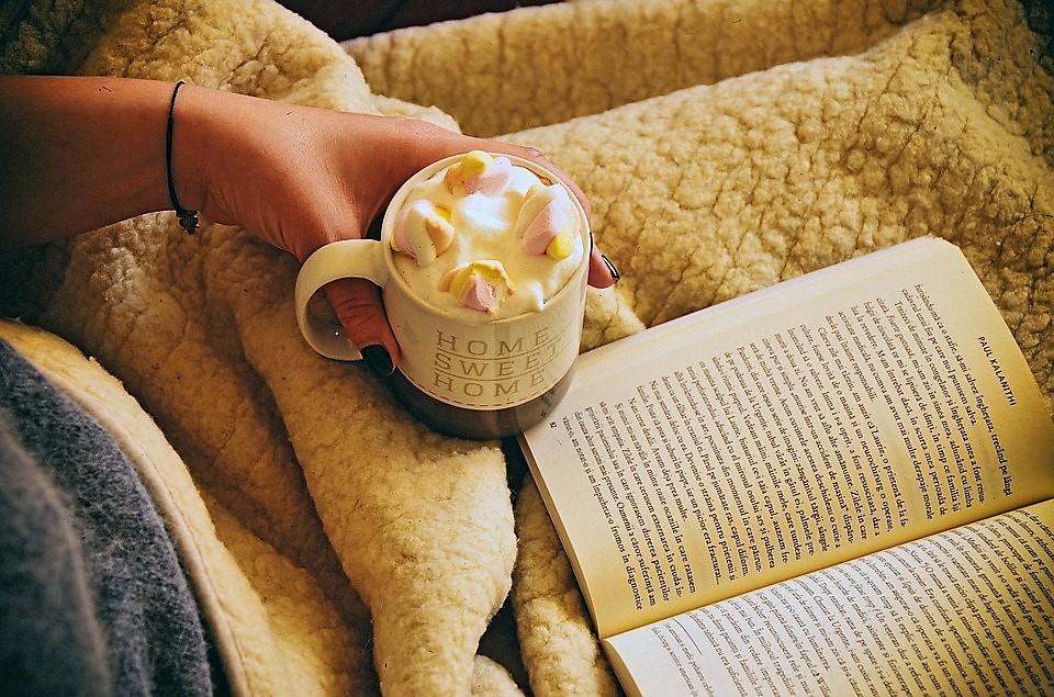 lettura-inverno-plaid